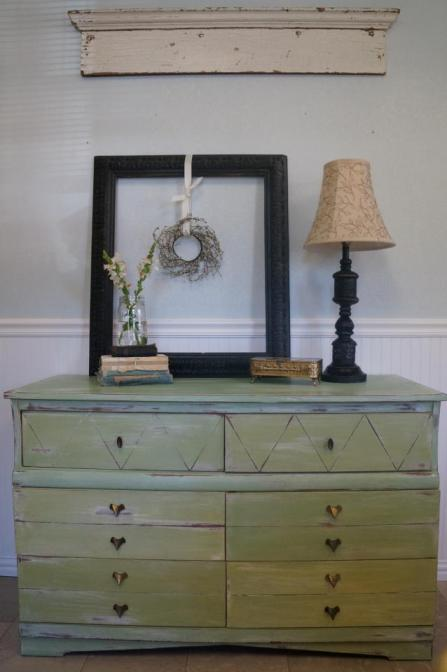 dresser 1